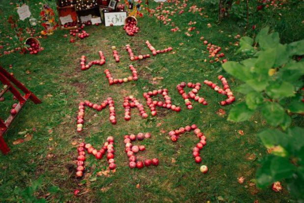 Nina-Engagement-0021-700x467
